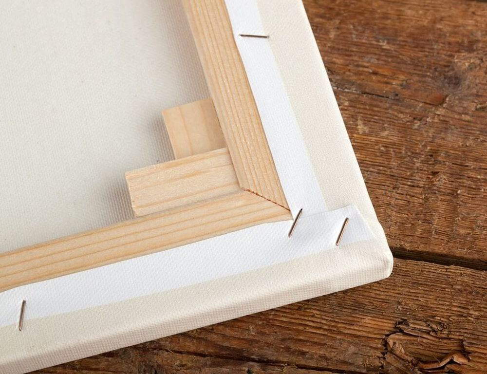 How to Stretch a Canvas: The Beginner's Guide