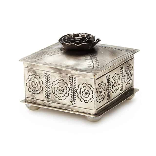 five year anniversary gift for her: hand-etched rose jewelry box
