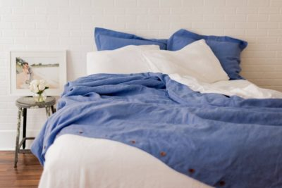 linen gift for couples: duvet cover and pillowcases made from linen