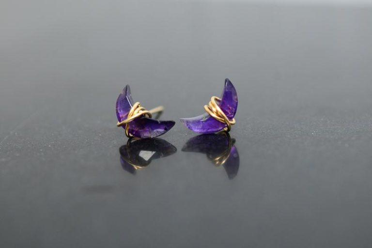 jewelry gift for her: amethyst stud earrings