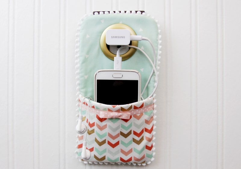DIY phone charger holder for her phone