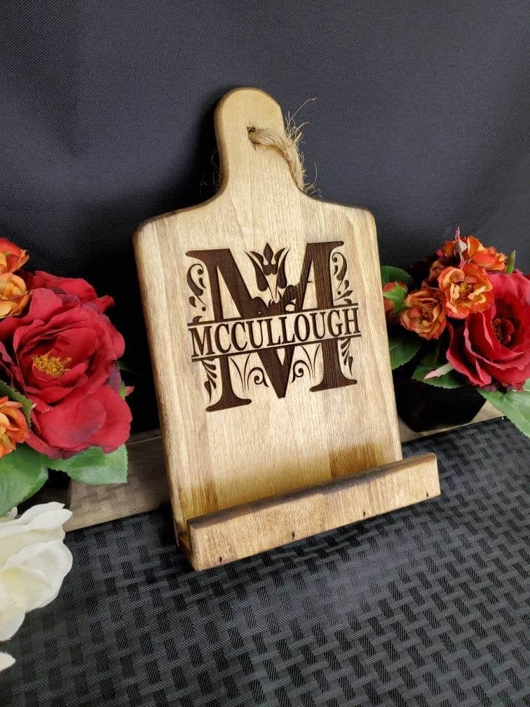 personalized gifts for bakers: personalized cookbook stand
