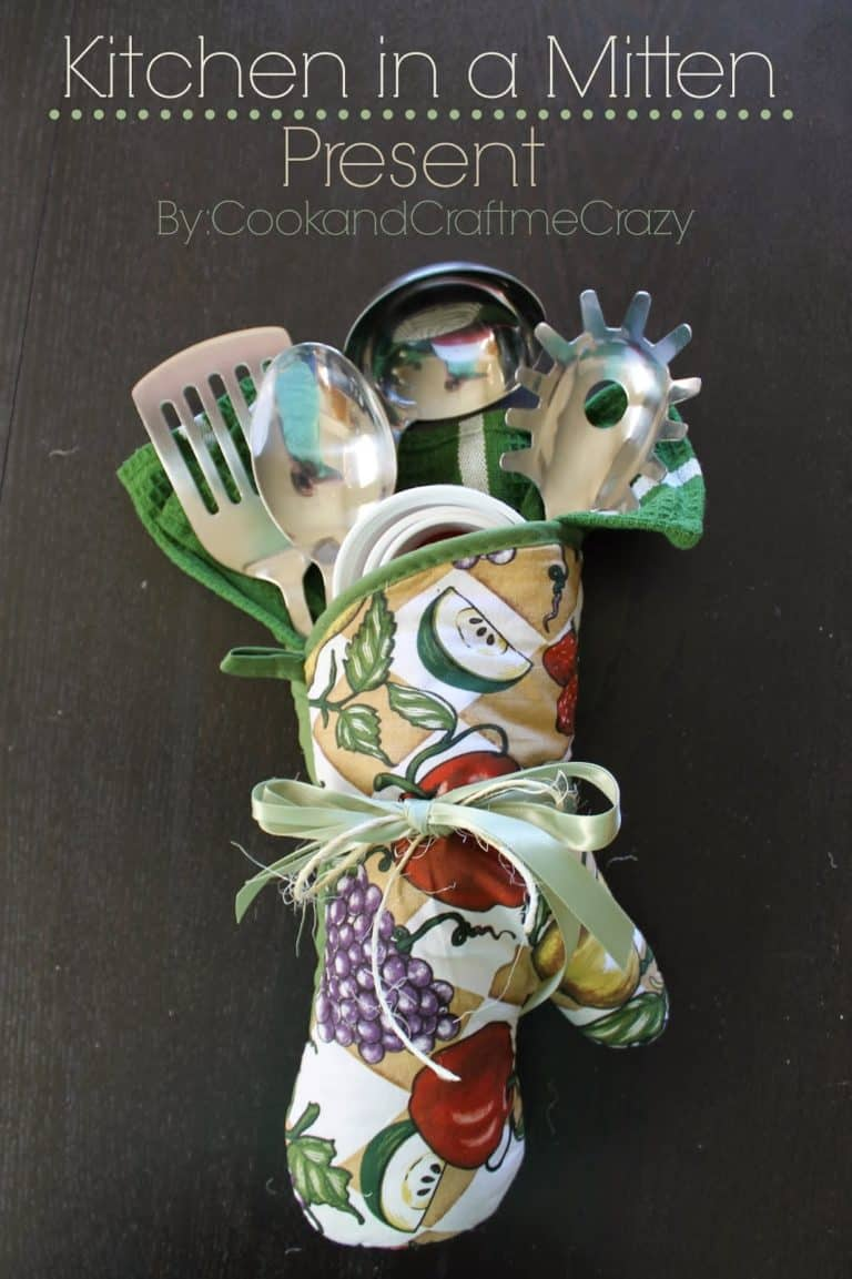 diy gift idea for bakers: kitchen in a mitten