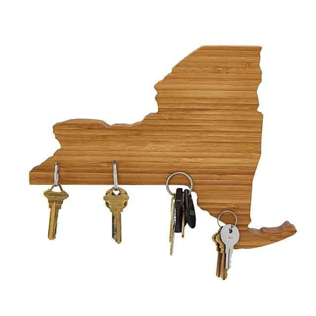 housewarming gift for bachelor pad: magnetic key holder