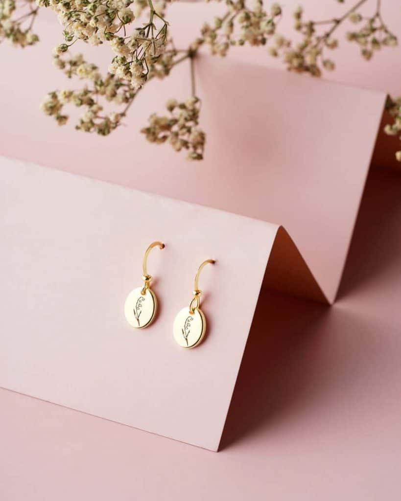 top mothers day gifts: birth flower earrings