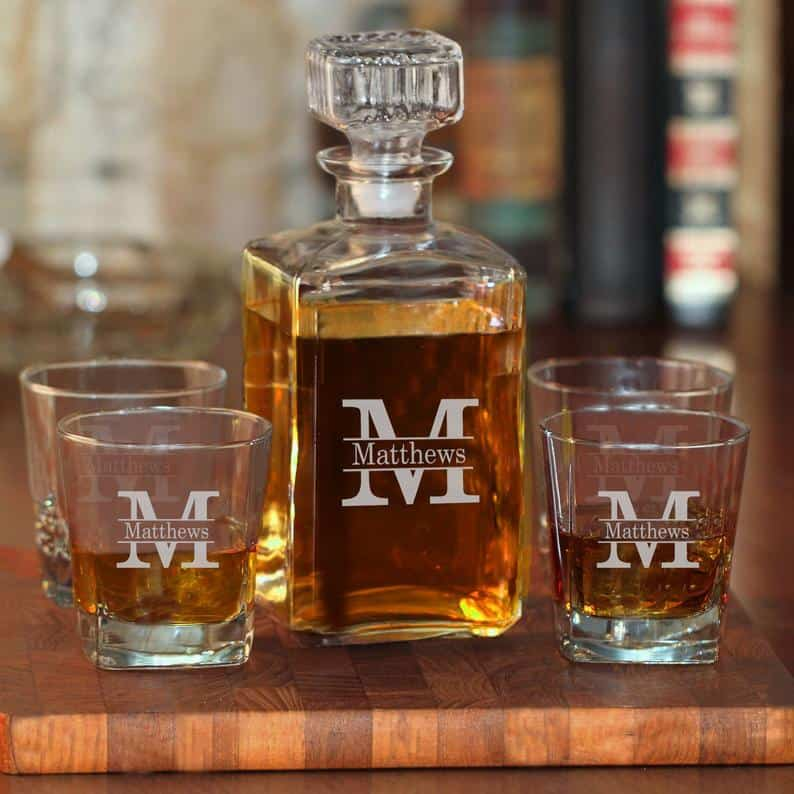 uncle christmas gifts: Personalized decanter set