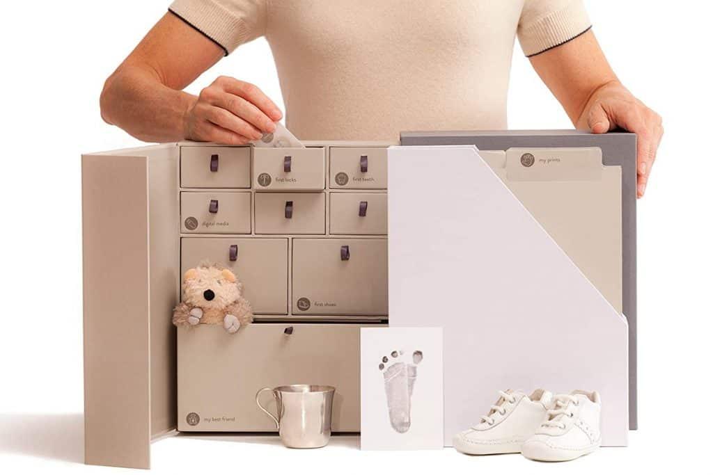 baby shower gifts for mom: baby keepsake box