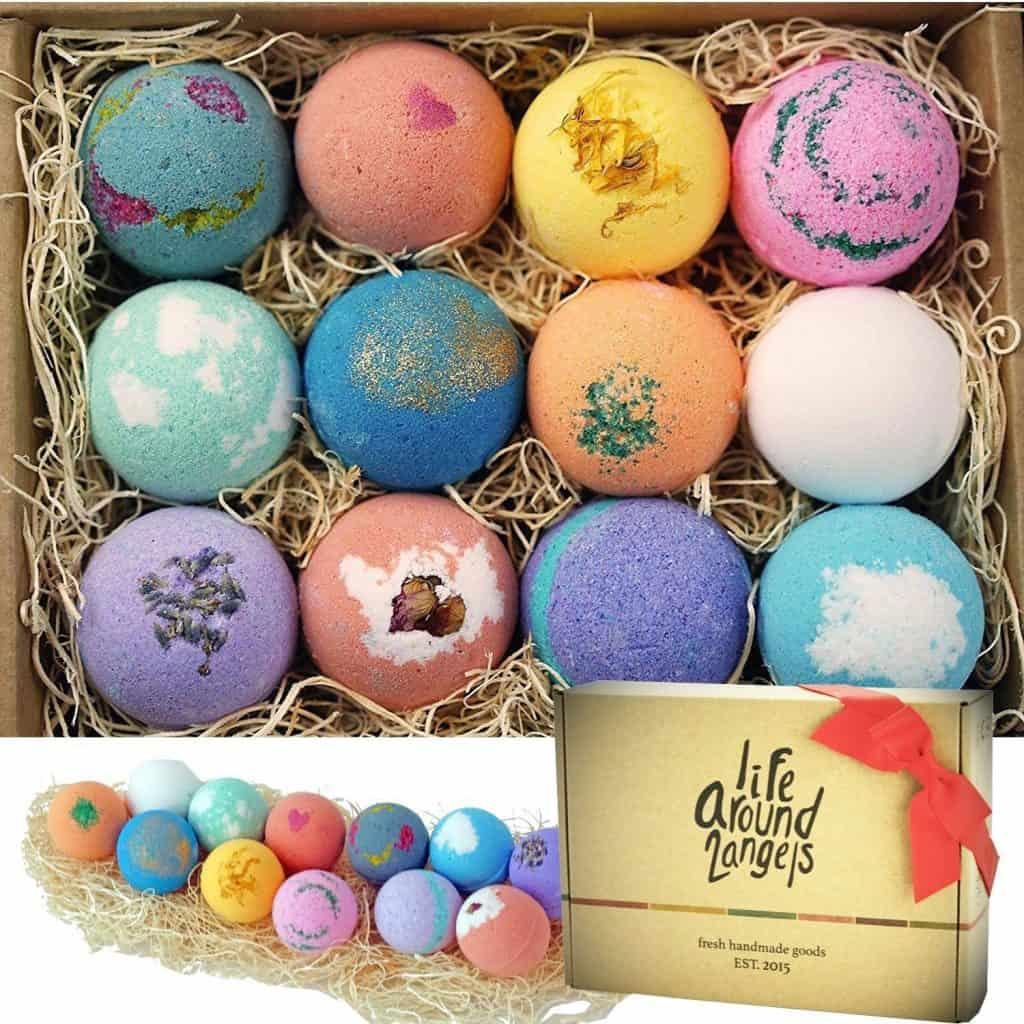 gift for women: bath bomb gift set