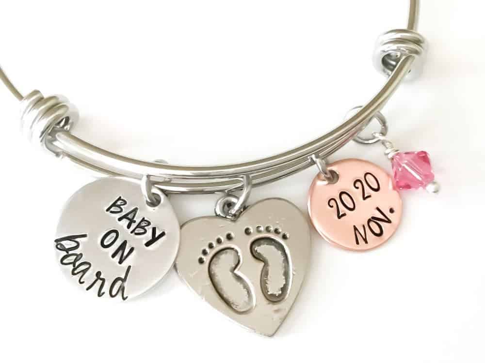A PERSONALIZED BRACELET FOR EXPECTING MOTHERS