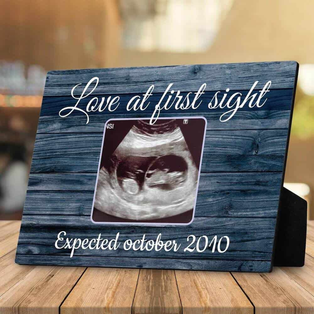 a desktop plaque with sonogram - a gift for a pregnant woman