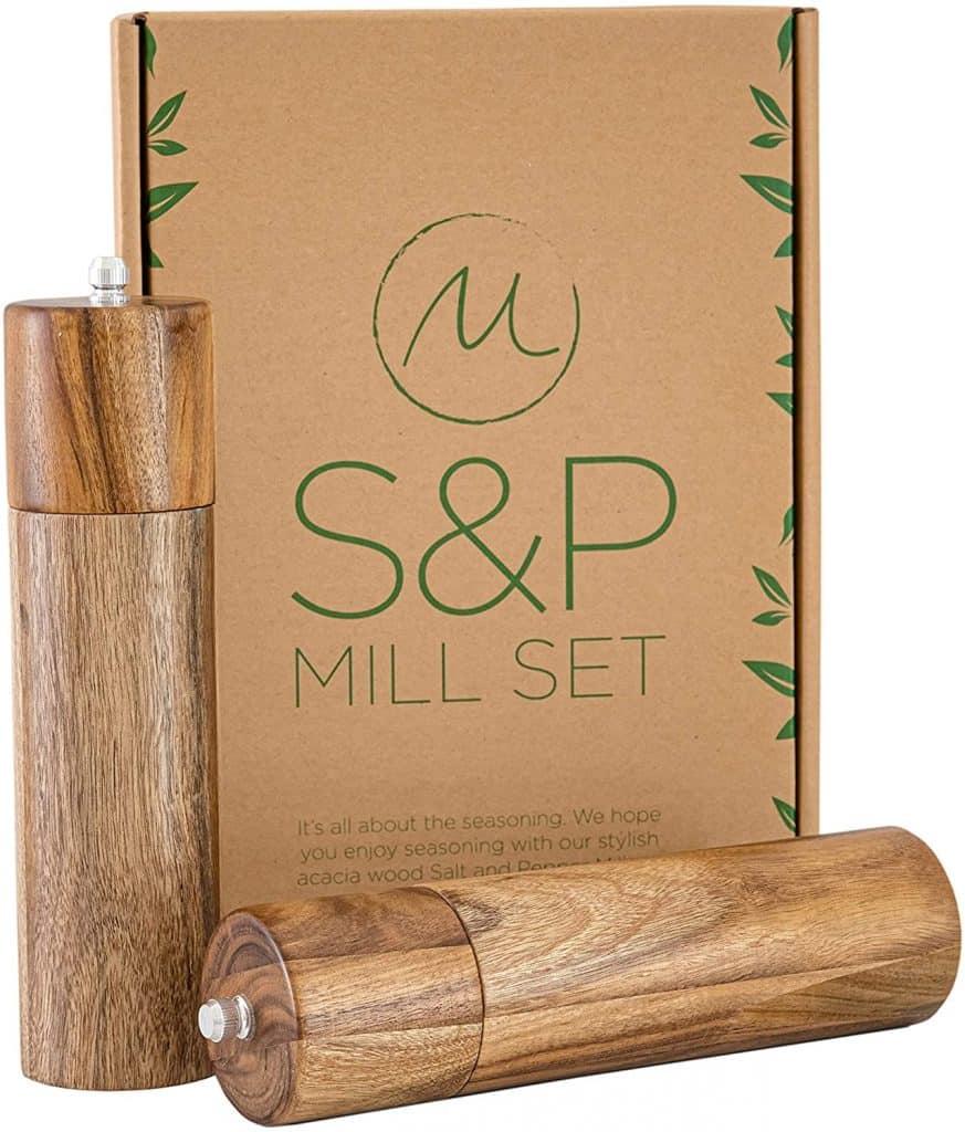 kitchen gifts: wooden salt and pepper grinder set