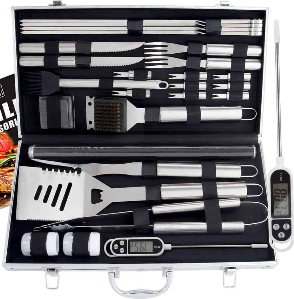 christmas gifts for the outdoorsman: Grill Set in Case