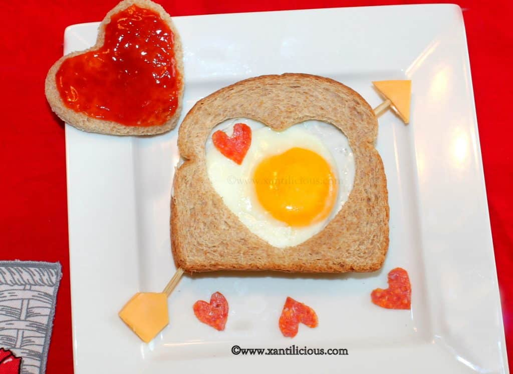 diy valentine's gifts for him: valentine's egg sandwich