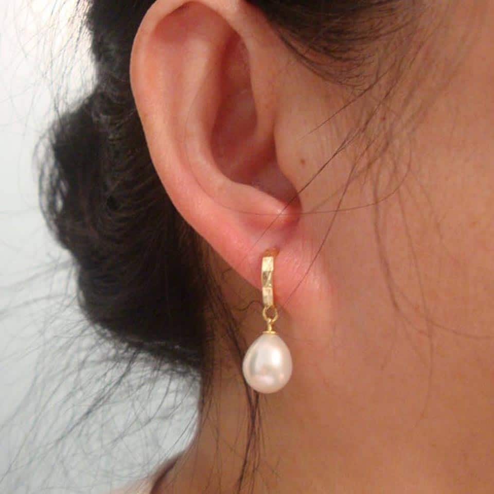 Teardrop Pearl Earrings - mom gifts for mothers day