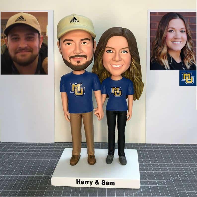 customized anniversary gifts: custom couple bobbleheads