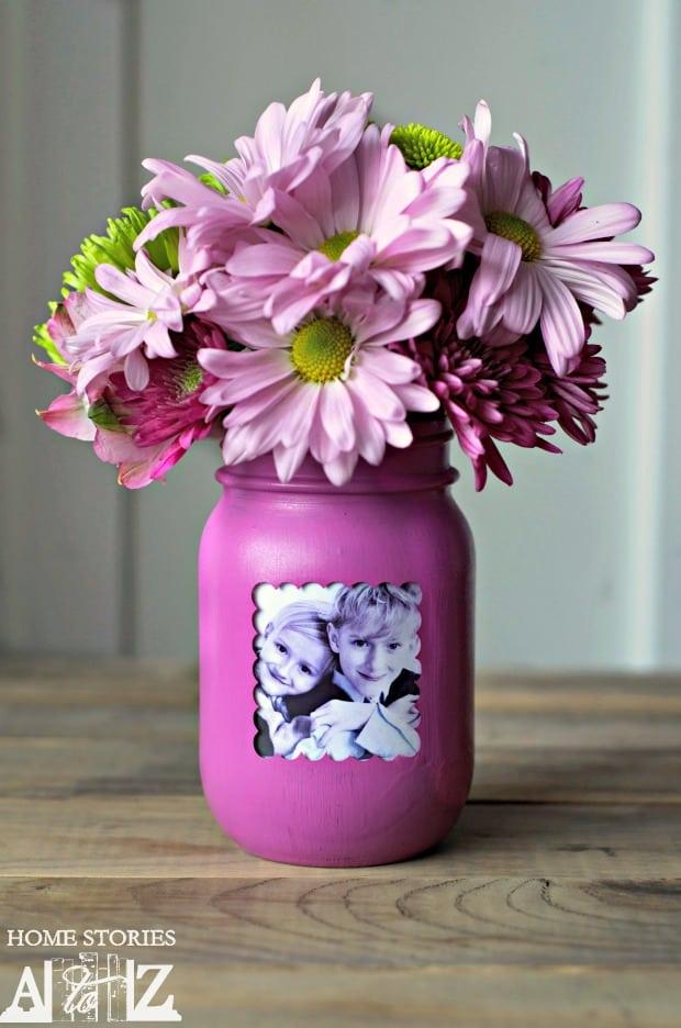 diy gifts ideas for mom: mason jar photo frame vase