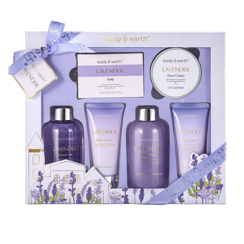 Bath and Body Gift Set  - gifts for mom on mothers day from daughters