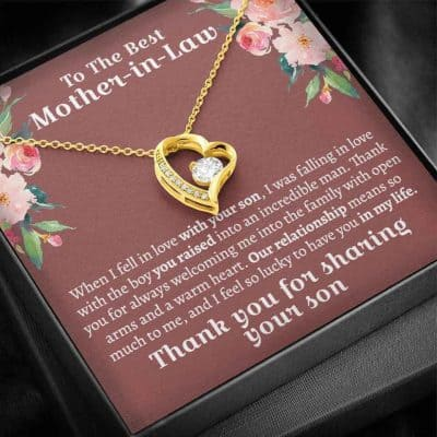 thoughtful gifts for mom - Necklace
