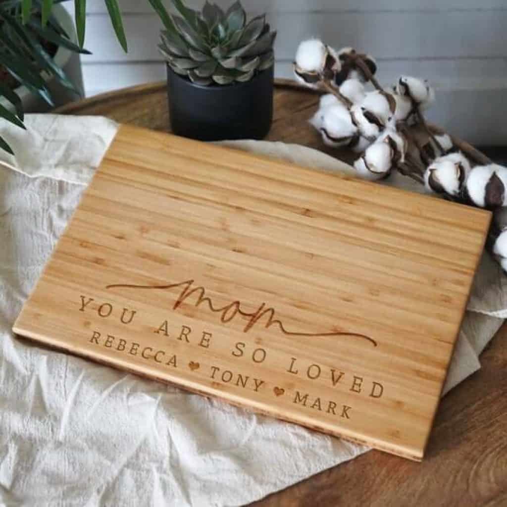 customized gifts for mom: customized cutting board
