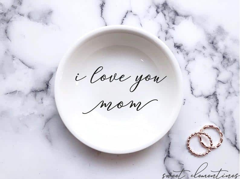 personalized gifts for mothers day: personalized ring holder