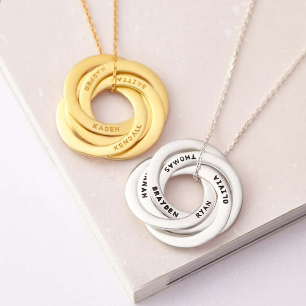 personalized gift for grandma: necklace engraved with kids names