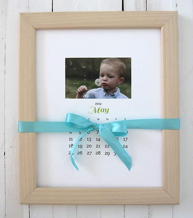 homemade gifts for grandma: photo calendar