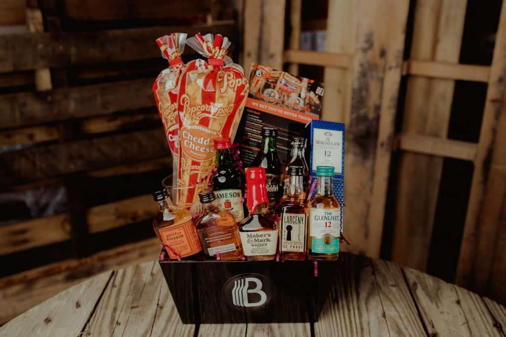 last minute gift for him: gift basket