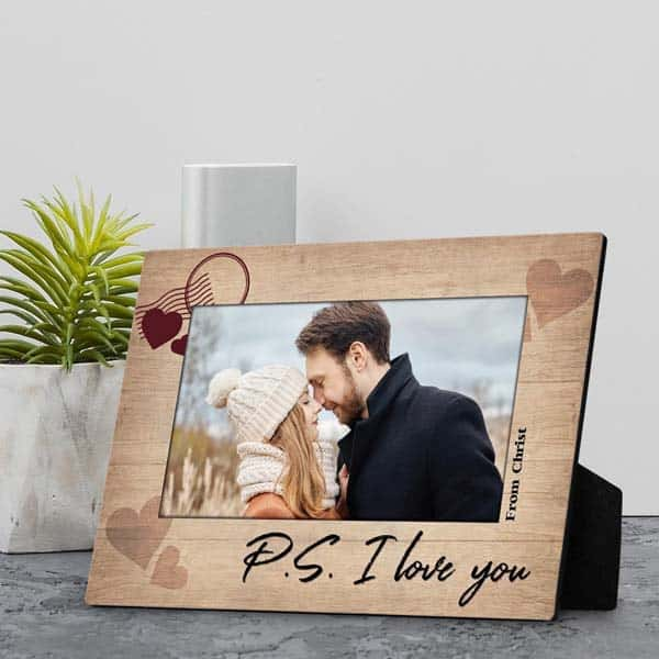 cute gifts for boyfriend: P.S. I Love You Plaque