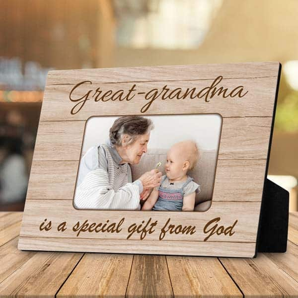 best gifts for christian mom: desktop plaque