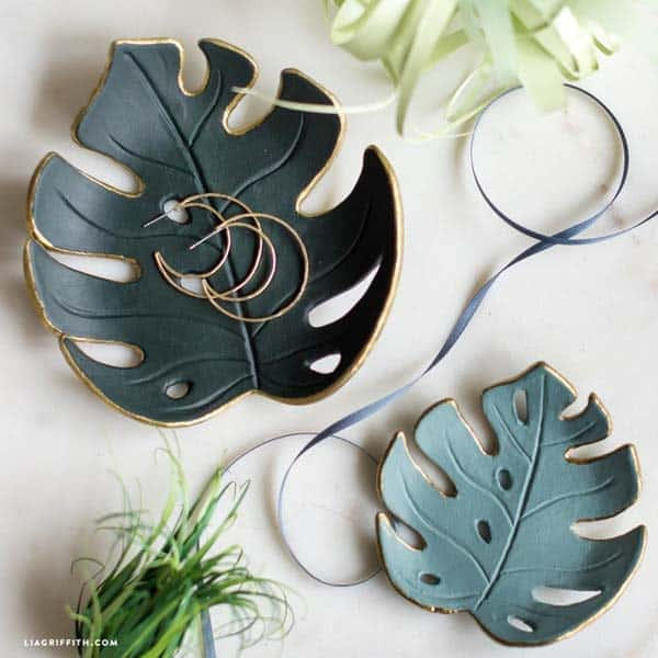 creative things to make for your girlfriend: DIY Monstera Drop Dish
