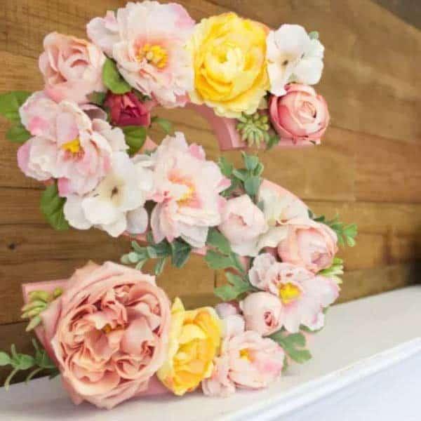 diy girlfriend gifts: Floral Monogram Standing Letter