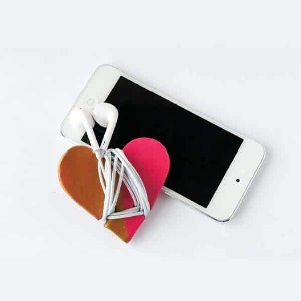 cute crafts for girlfriend: Heart Headphone Cord Wrap