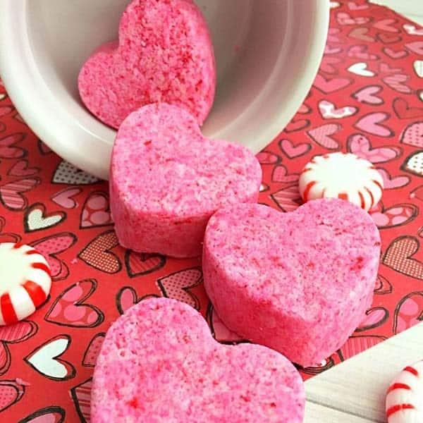 cute crafts for girlfriend: Heart-Shaped Bath Bombs