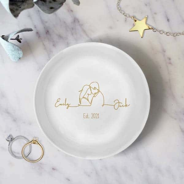 good anniversary gifts for girlfriend: Ring Dish