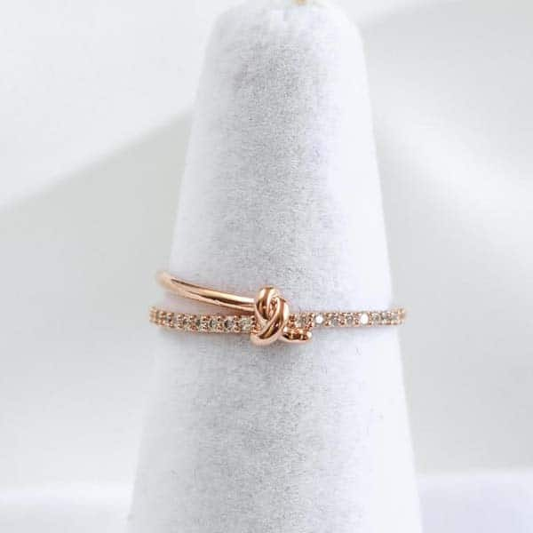 cute anniversary ideas for girlfriend: Ring