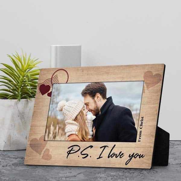 thing to get your girlfriend on Christmas: P.S I Love You plaque