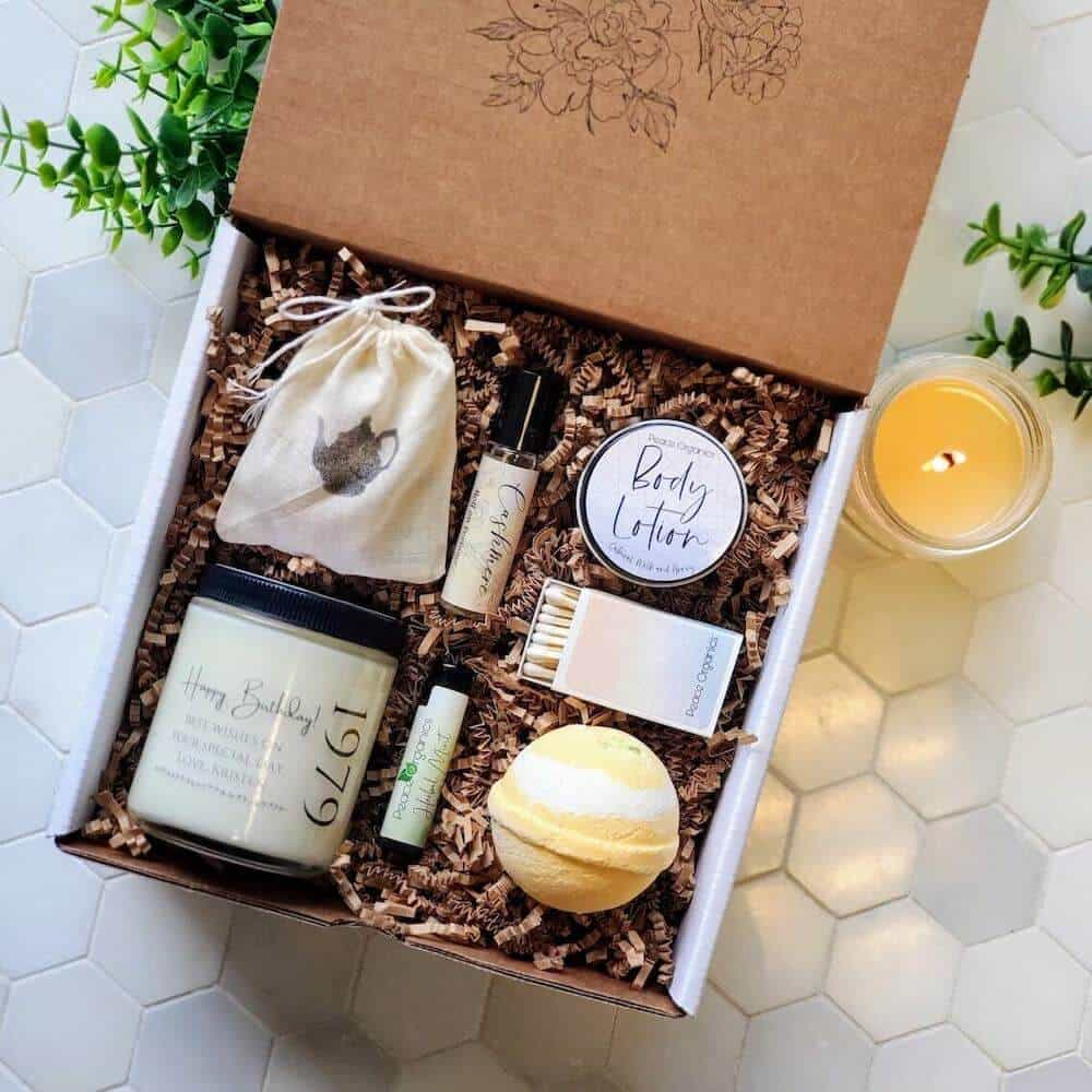 birthday spa gift box from a son to his mom