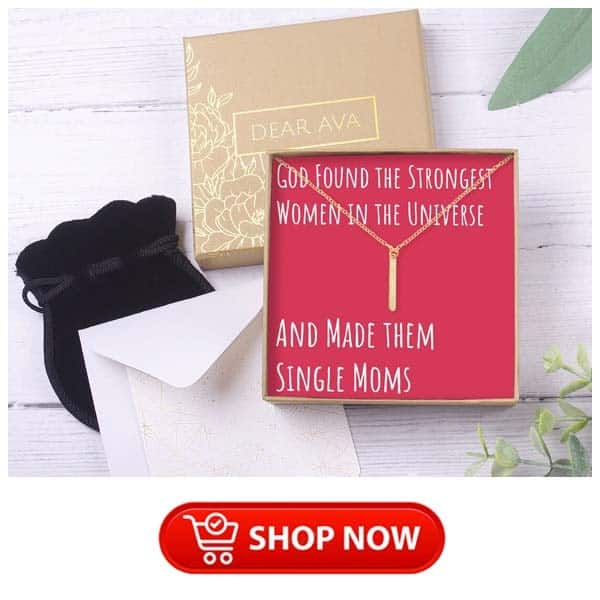 holiday gifts for single moms: Necklace