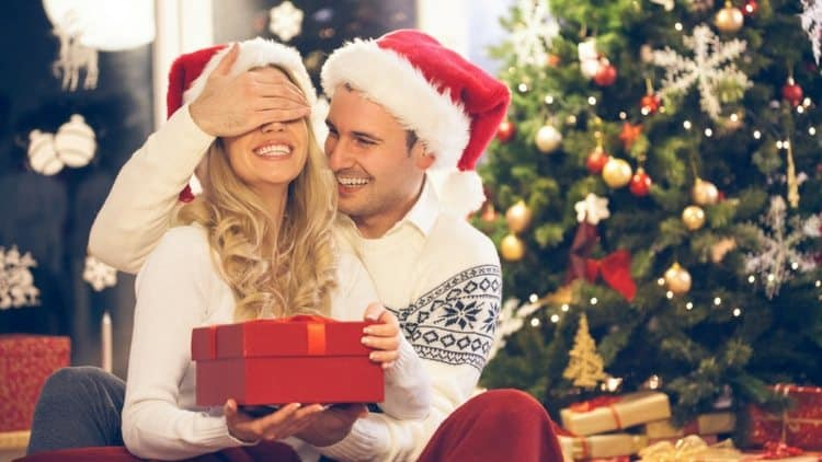 30+ Christmas Gifts for Newlyweds That Will Boost Their Love for One Another (2021)