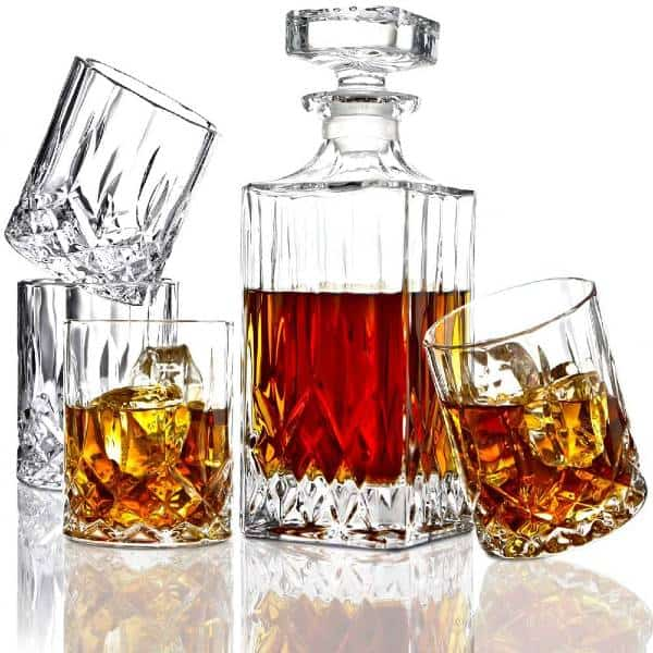 Whiskey Decanter And Glasses last minute christmas gifts