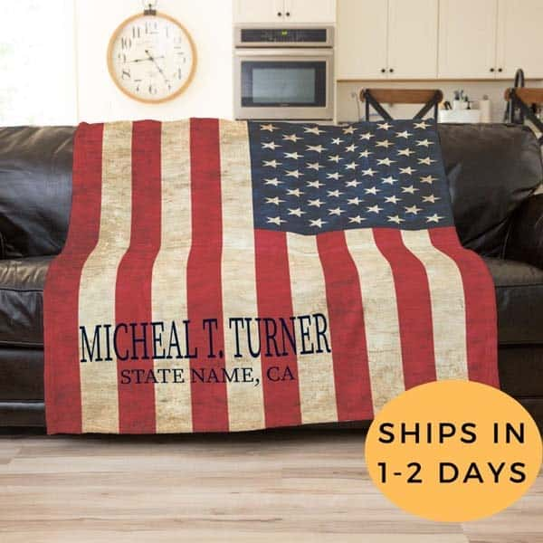 military-related gifts: America Flag Blanket