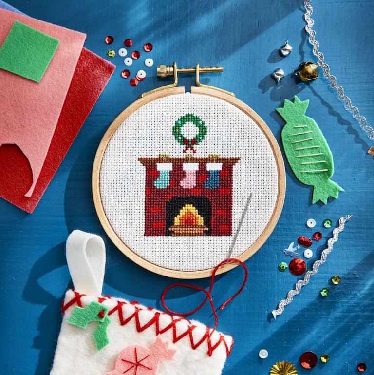 DIY Christmas Gifts - DIY Cross Stitch Gift