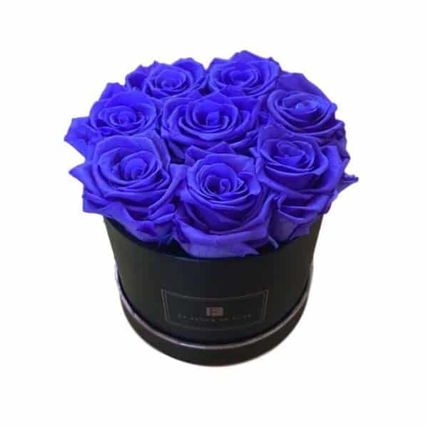 gifts for your fiancee: Long Lasting Roses