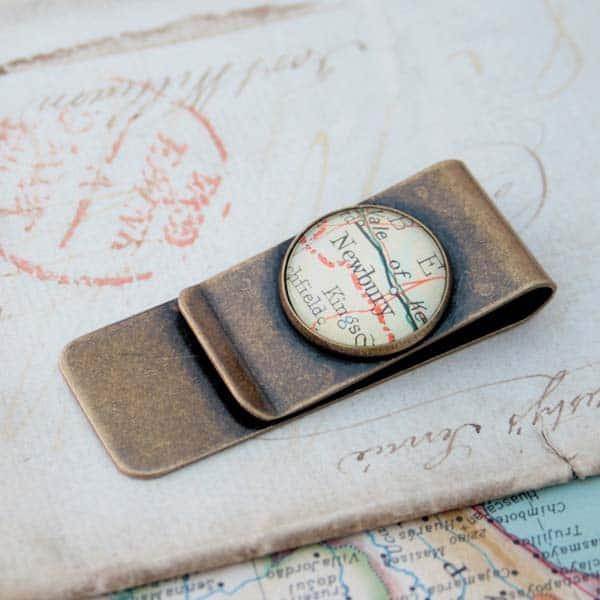 fiance gift ideas: Map Money Clip