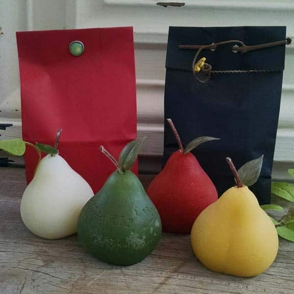 Pear Candle: Day 1 A Partridge in a Pear Tree)