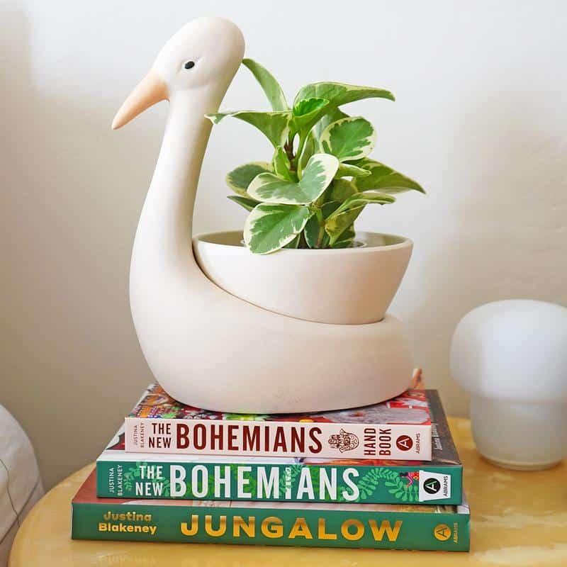 Egret Savannah Garden Pot best host gifts